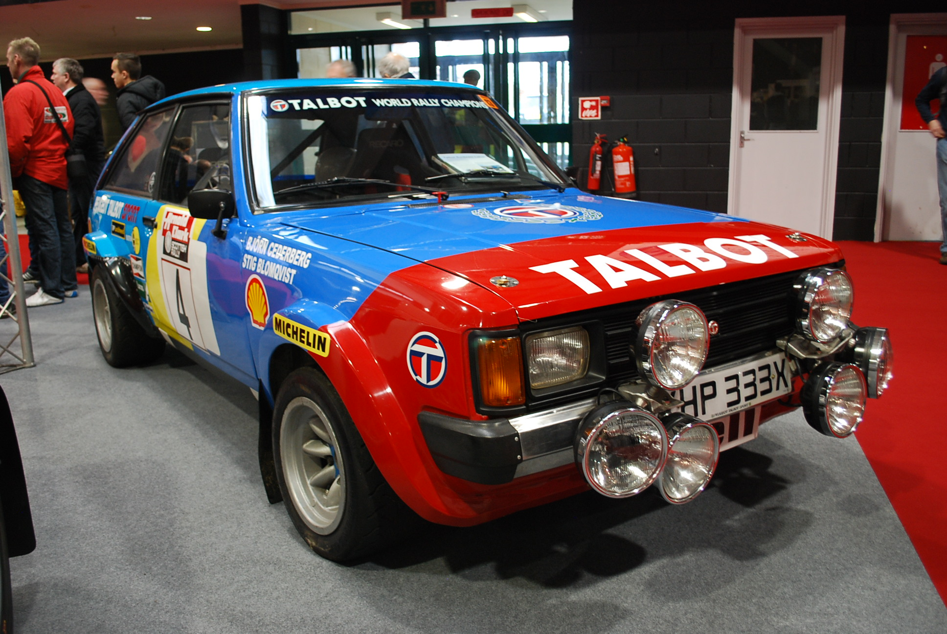 Rally Car Race Retro 18 Paddock 42