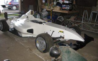 white race car 030