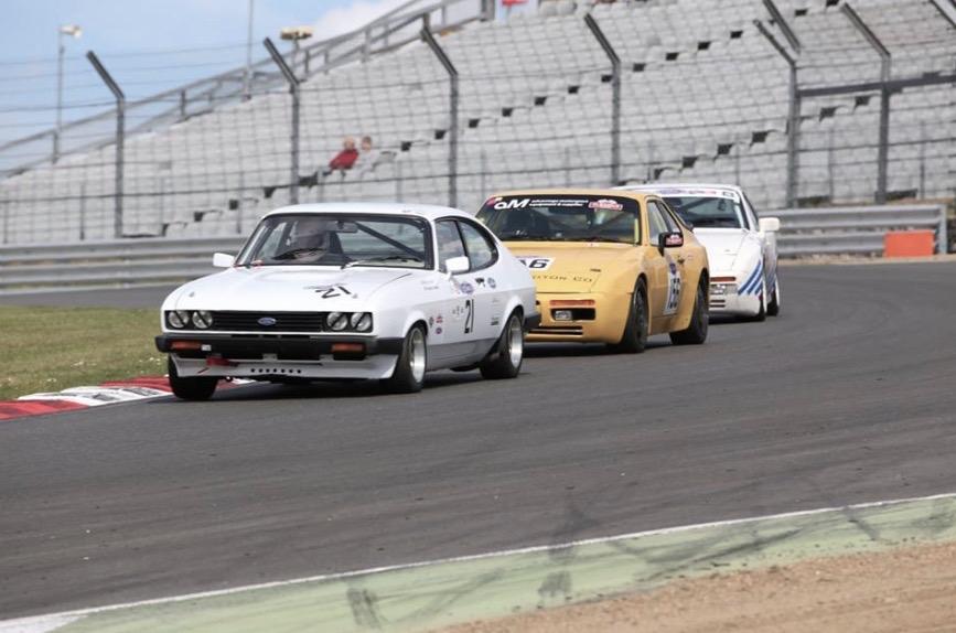 classic sports car club snetterton 300 paddock 42. Black Bedroom Furniture Sets. Home Design Ideas